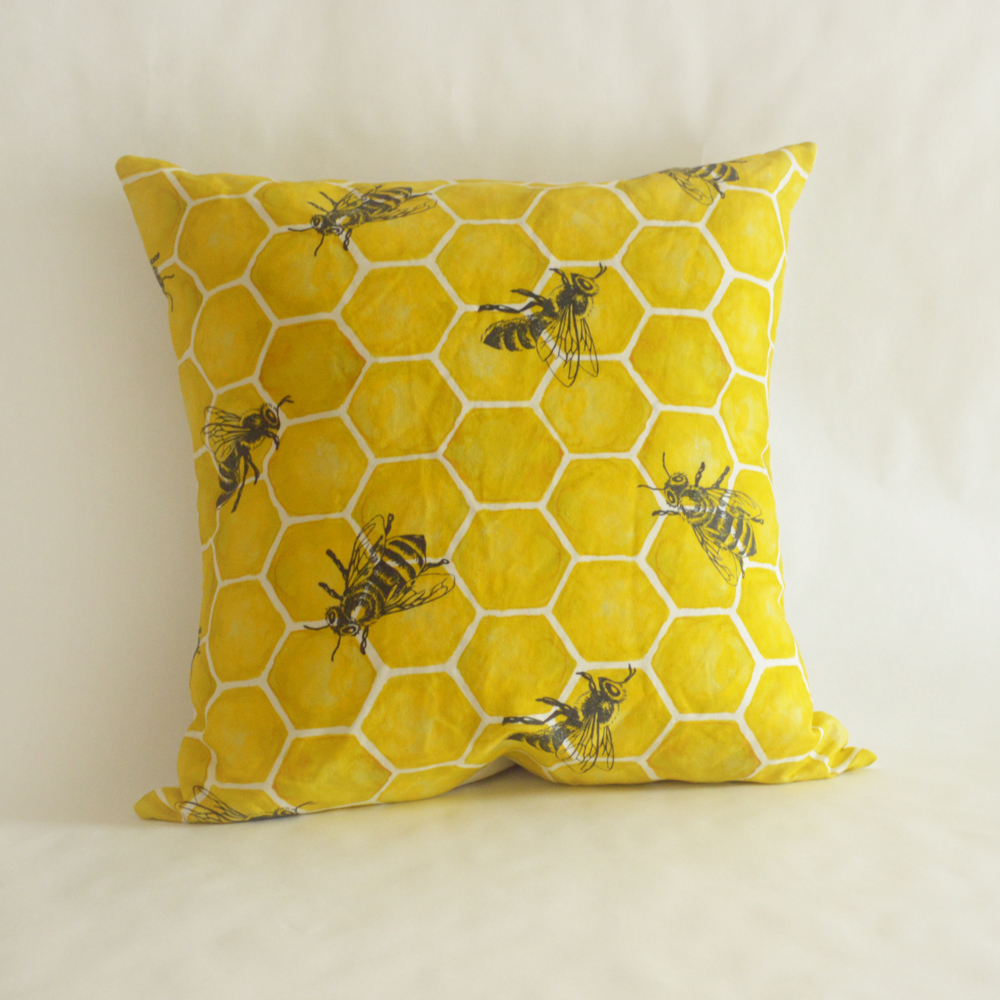 bee_pillow